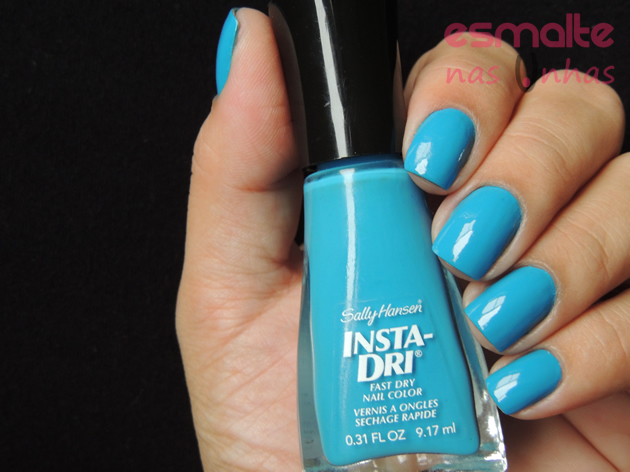 brisk_blue_sally_hansen_01
