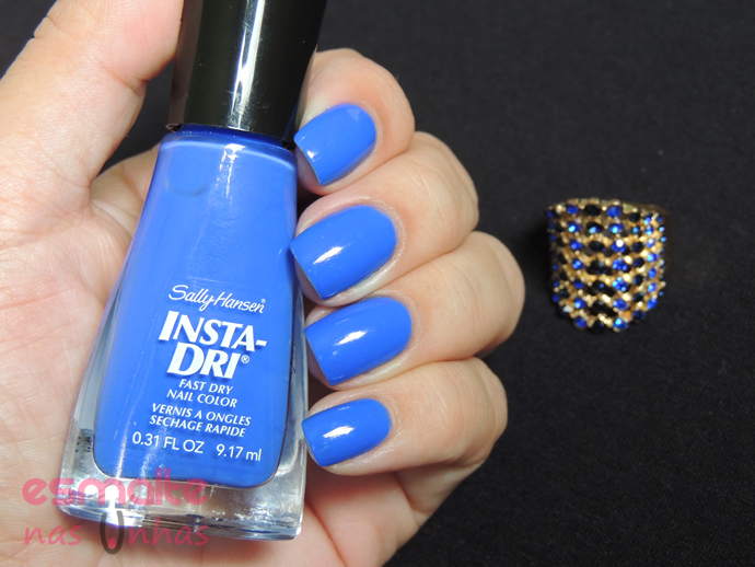 in_prompt_blue_sally_hansen_01