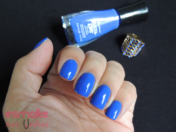 in_prompt_blue_sally_hansen_06