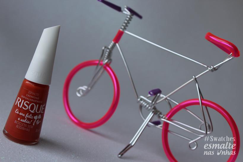 nova_colecao_risque_eu_era_feliz_e_sabia_esmalte_bicicleta_sem_rodinha_01
