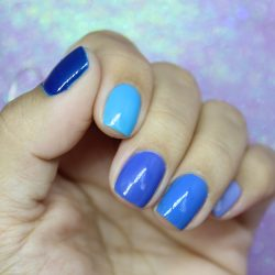 Unhas Multicoloridas Azul!